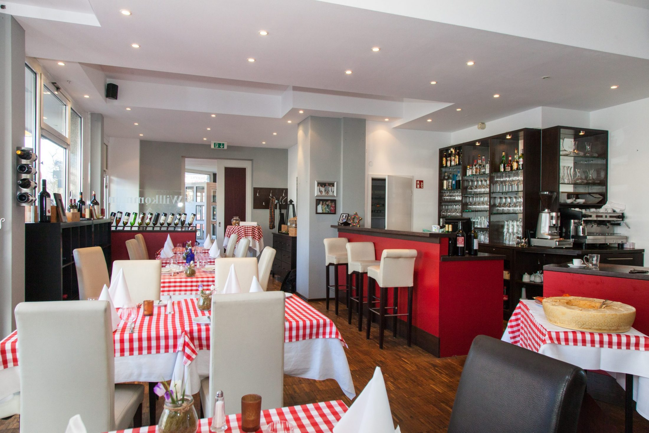 Restaurant Fratellis with delicious food and good wine